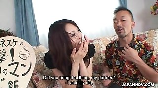 Cool japanese stunner feeding and riding her guest