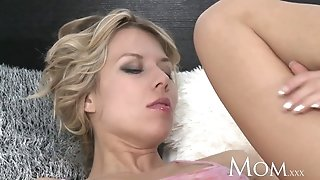 Mommy cougar is woken for romp
