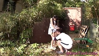 Lil' chinese stunner penetrated between legs outdoors