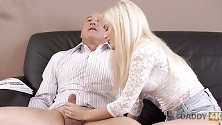 DADDY4K. Mischievous platinum-blonde wants to try someone lil' bit more