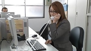 Japanese sexy mom in the office
